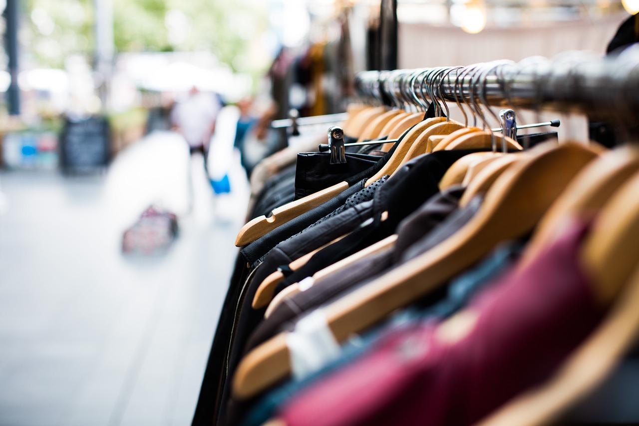 Undgå tøjkriser med disse basale stykker tøj i din garderobe