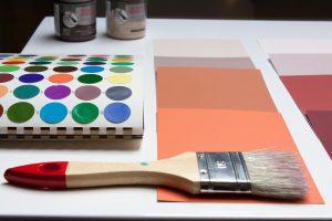 Udsmyk dine vægge med maling og malerier