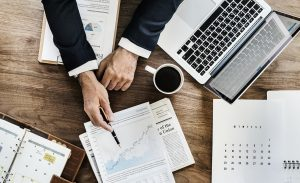 Den smarte beslutning – få hjælp til dine online investeringer